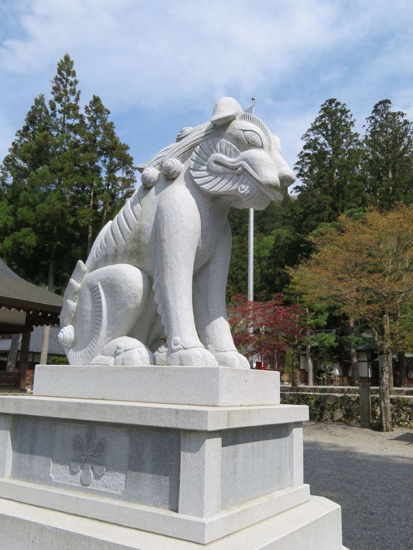 飛騨一宮水無神社の狛犬