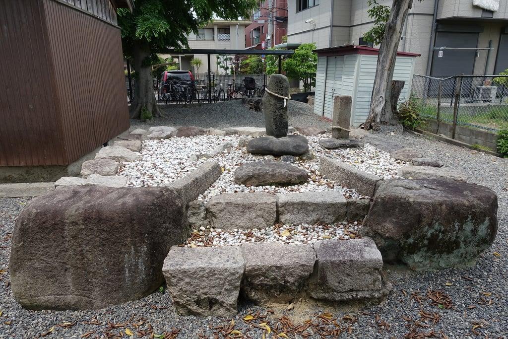 筑紫津神社の末社