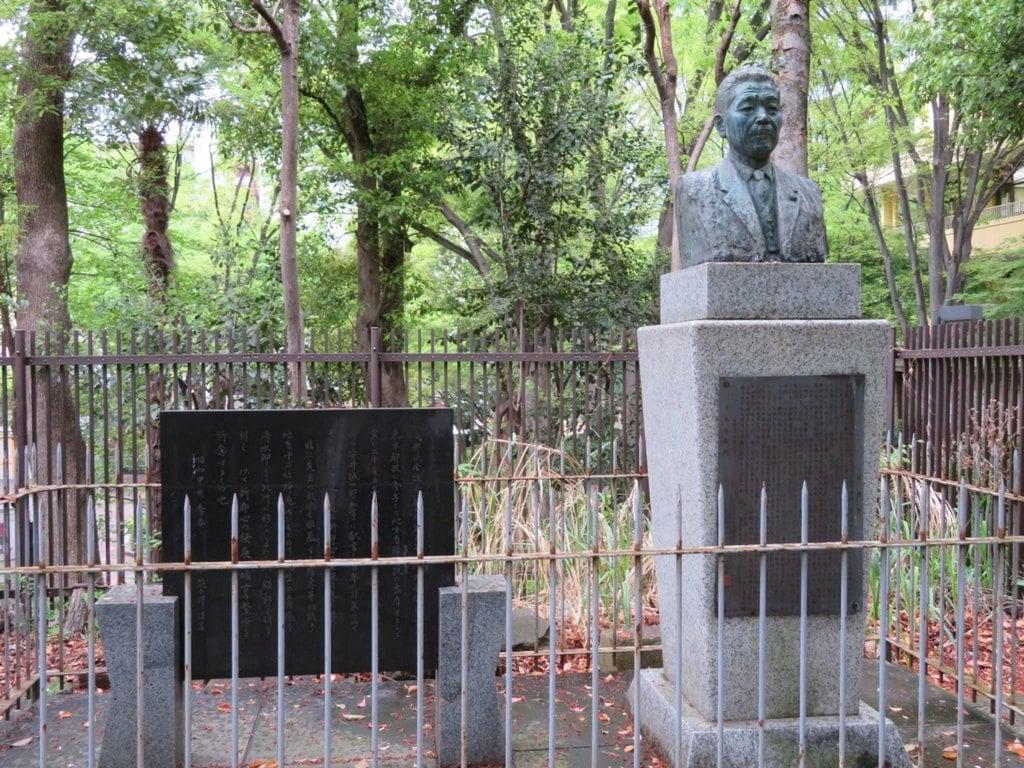 熊野神社の像
