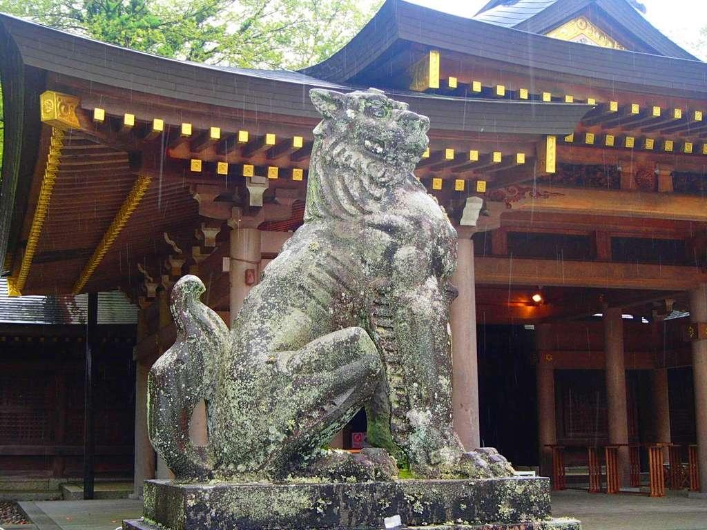 岐阜護国神社の狛犬
