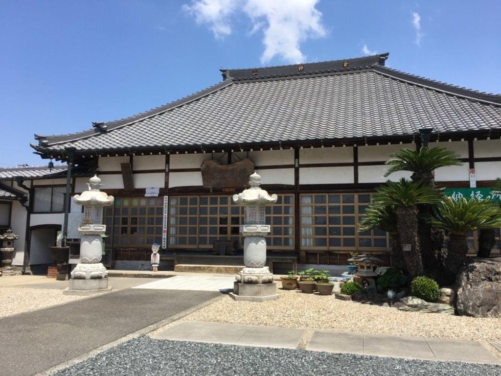 曹源寺の本殿