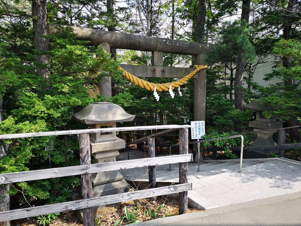 白石神社の鳥居