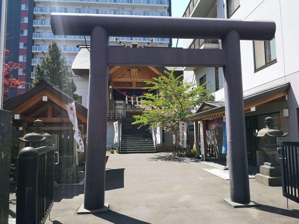 札幌祖霊神社の鳥居