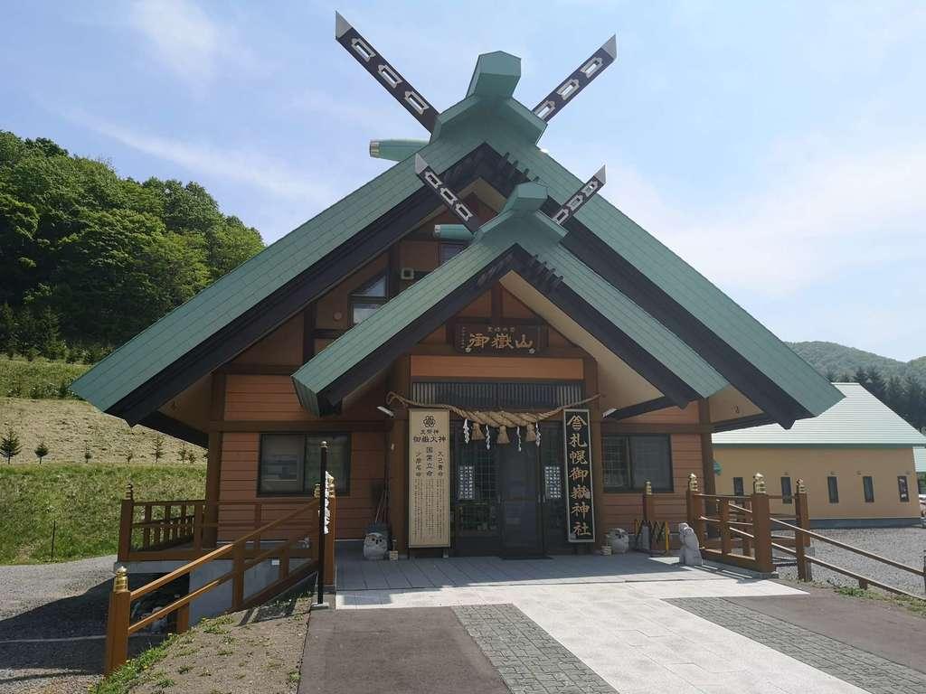 札幌御嶽神社の本殿