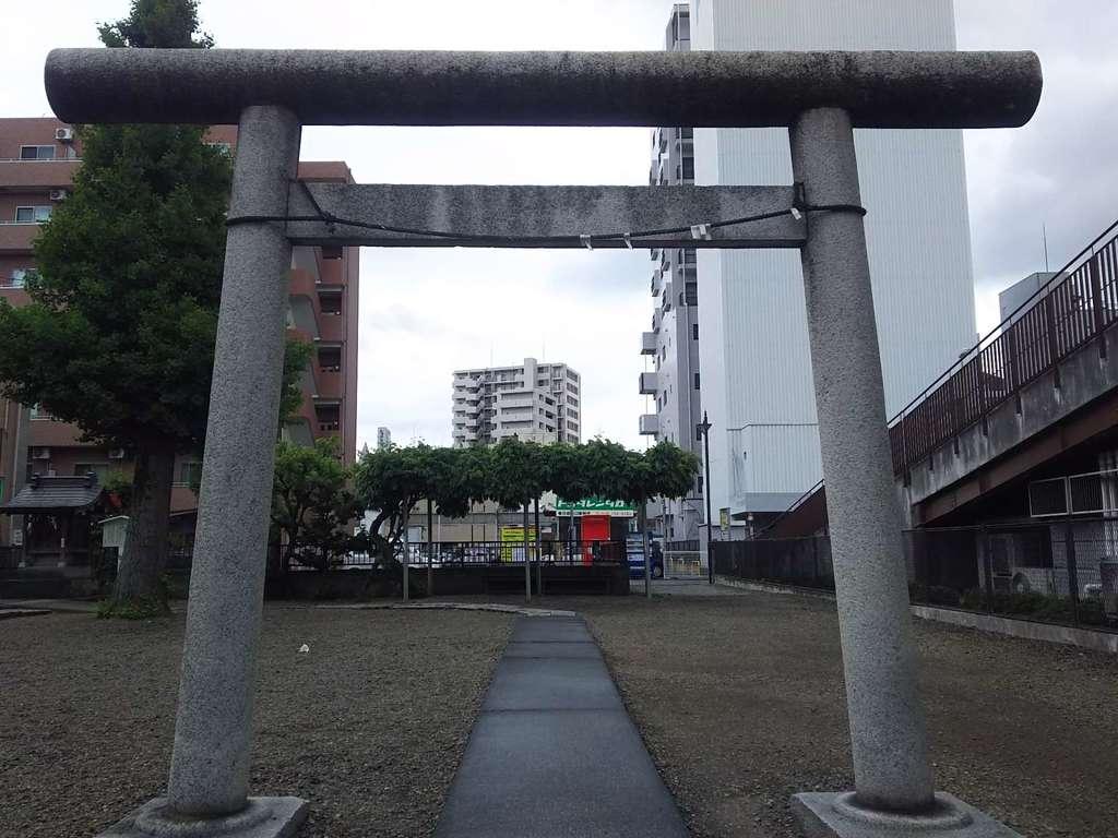 粕壁神明社の鳥居