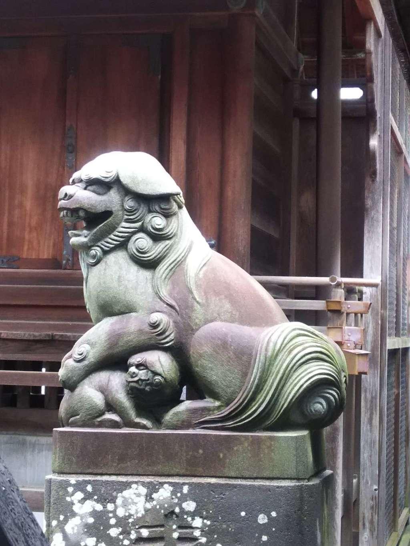 粕壁神明社の狛犬