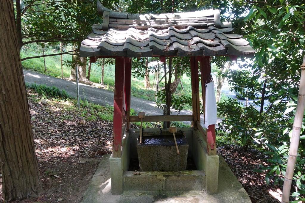 西宮神社の手水舎(京都府山田川駅)