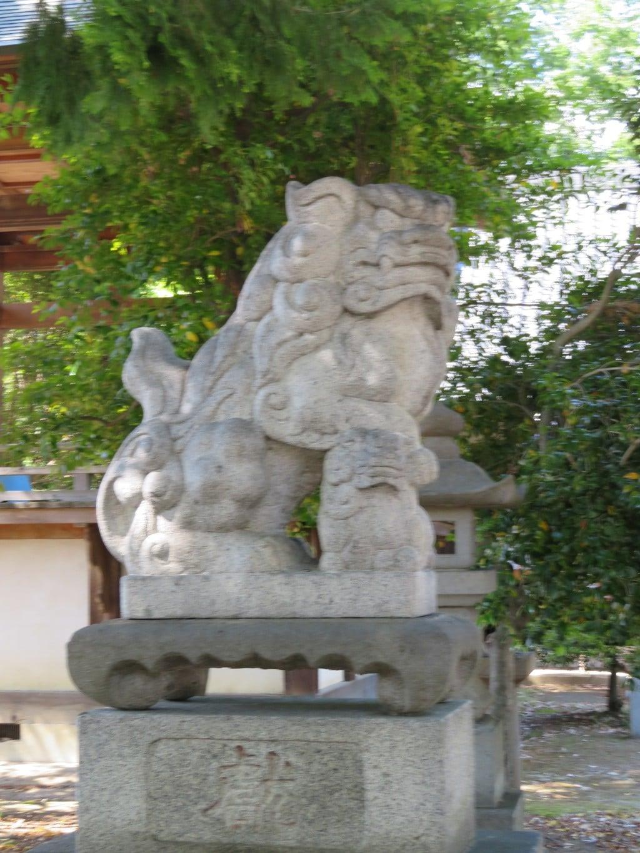 佐久神社の狛犬(山梨県南甲府駅)