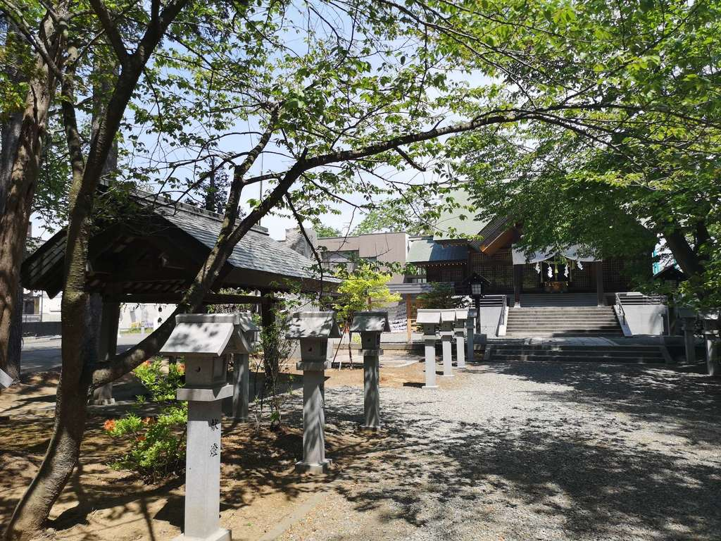 信濃神社の建物その他