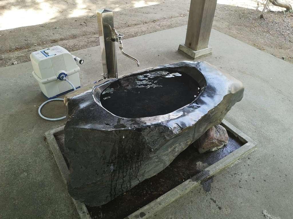 信濃神社の手水