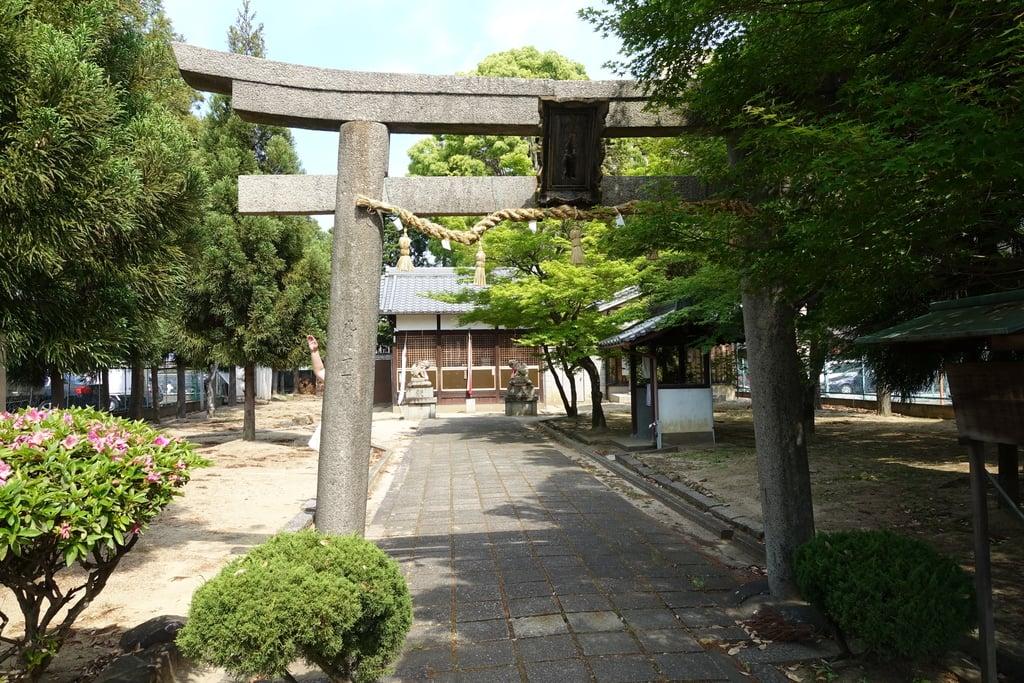 女九神社の鳥居