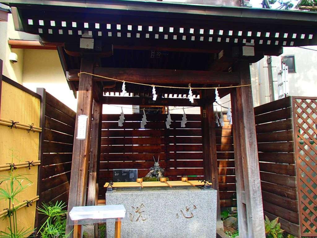 鎮守氷川神社の手水