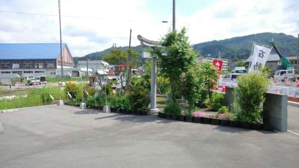 石動神社の末社