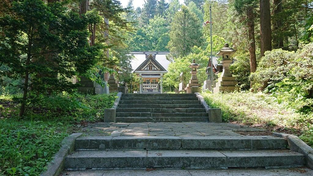 由仁神社の建物その他