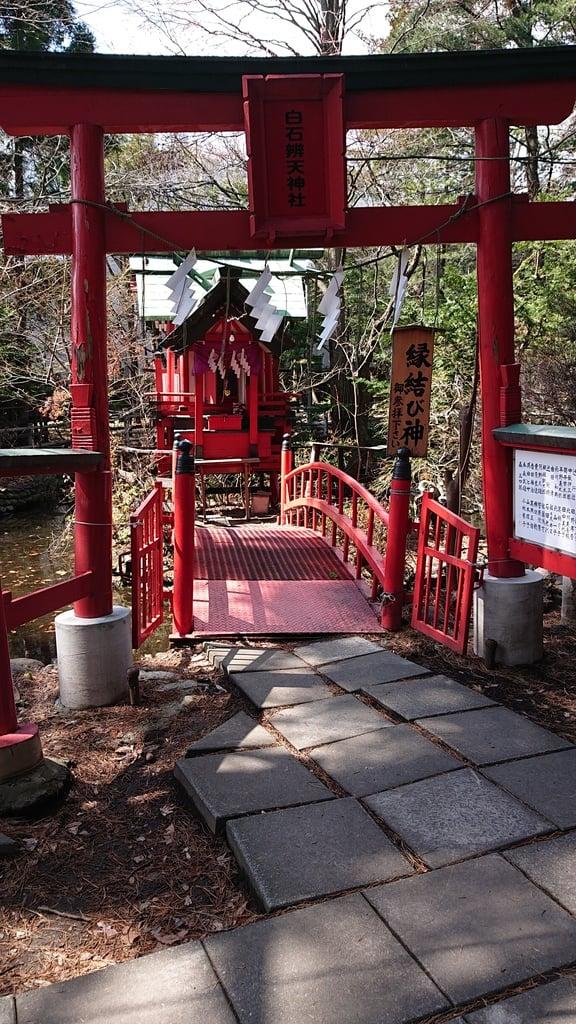 白石神社の末社