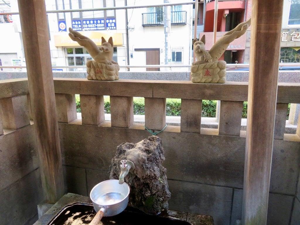 千種稲荷神社の手水