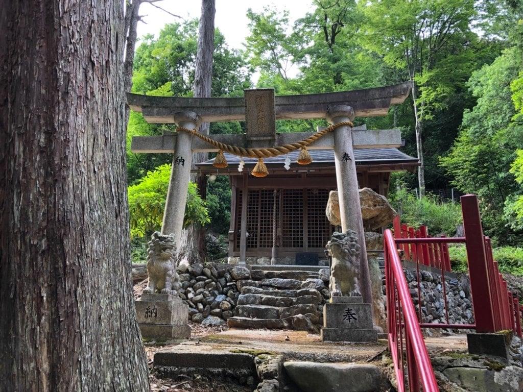 苅田彦神社の末社