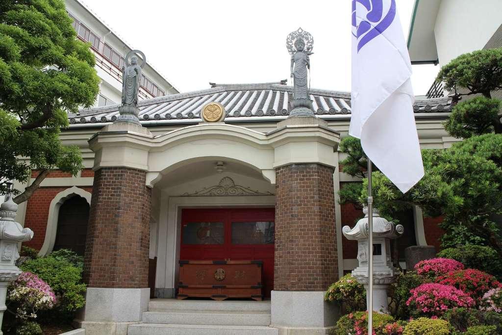 勝専寺の本殿