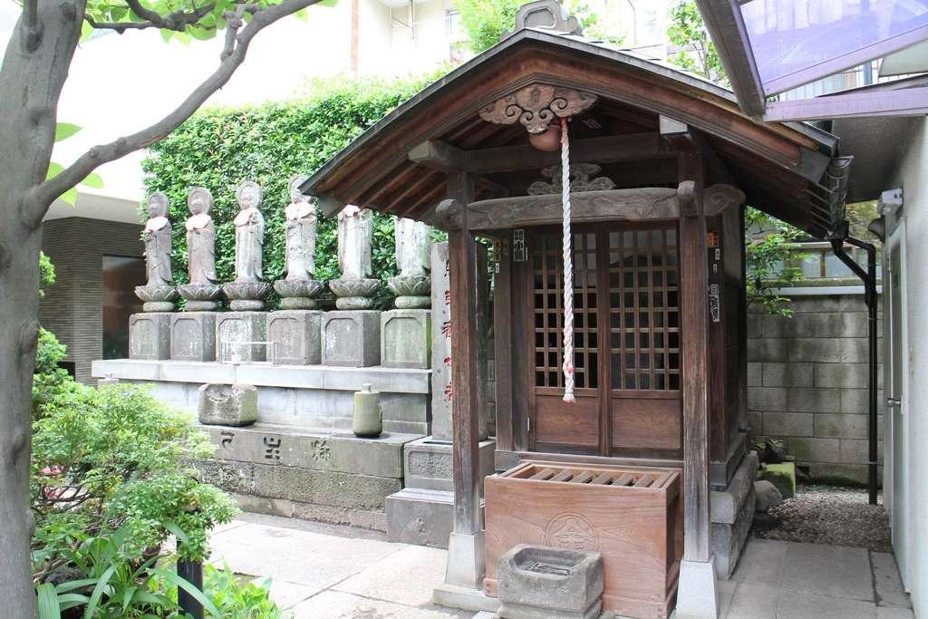 勝専寺の建物その他