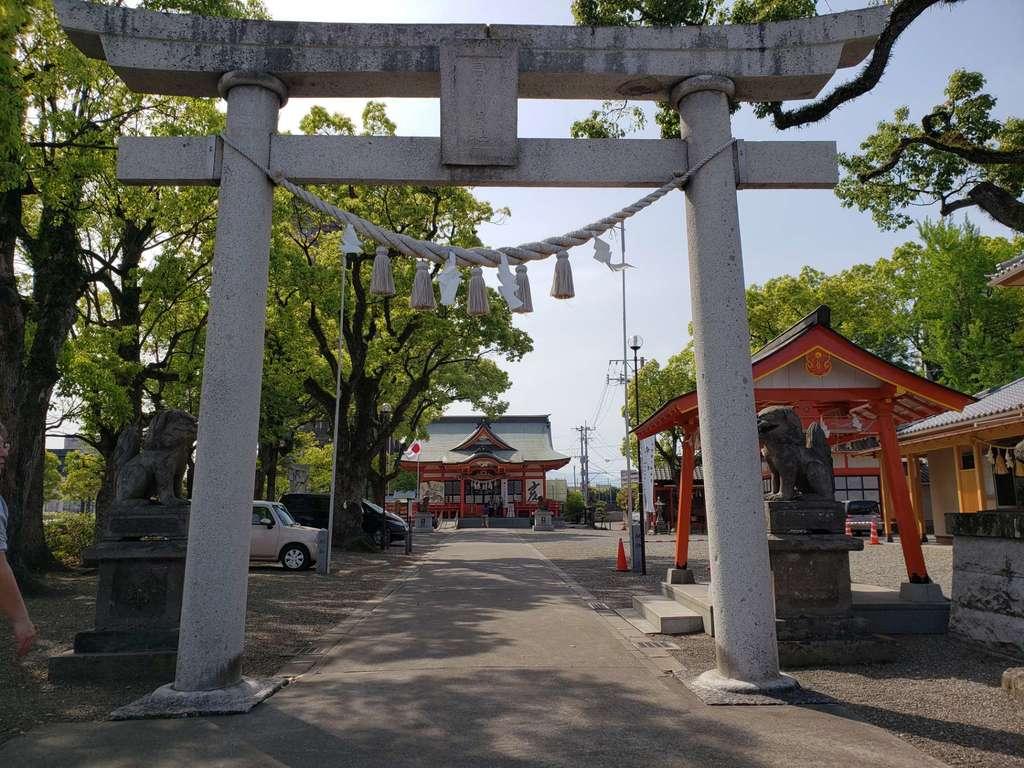 若宮八幡社の鳥居(大分県古国府駅)
