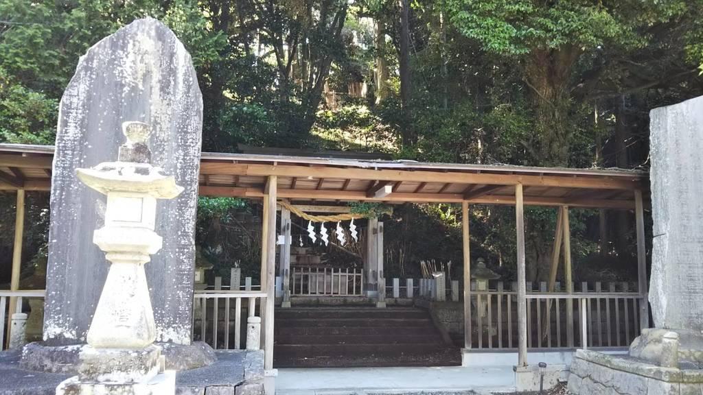 大頭龍神社の建物その他