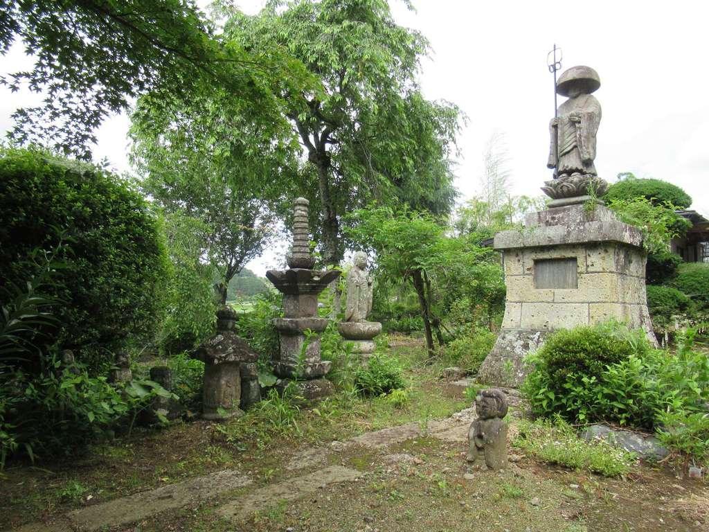 普濟寺の像