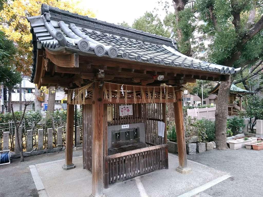神津神社の手水