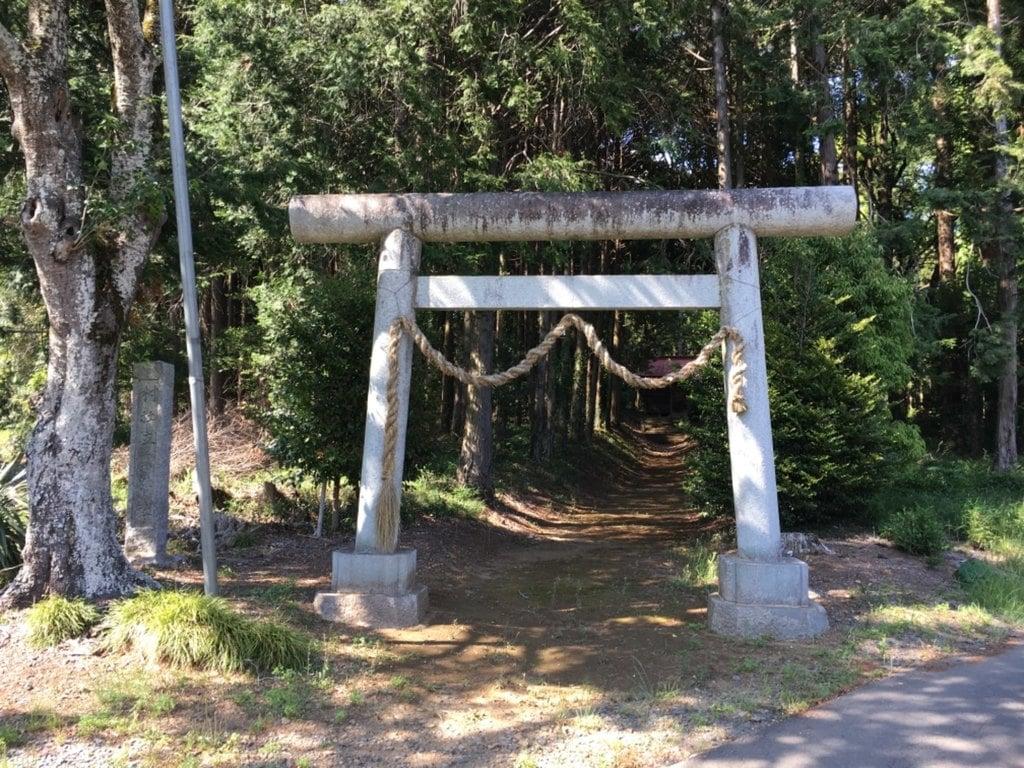 立野神社の鳥居