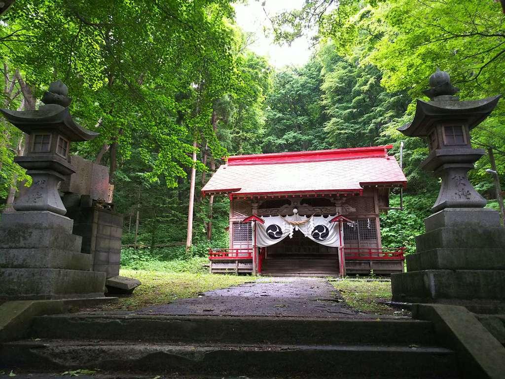 塩谷神社の本殿