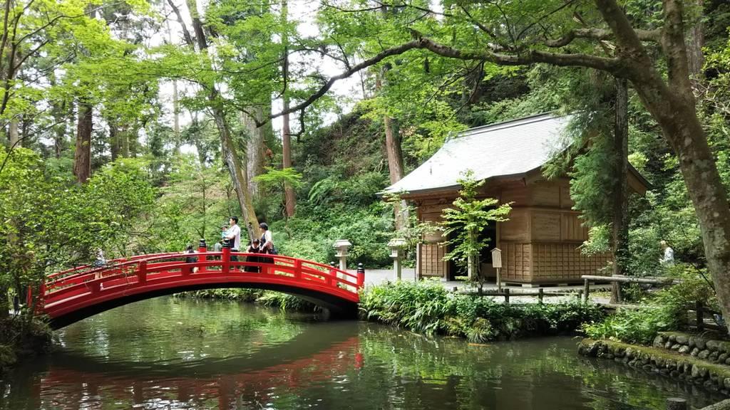 小國神社の庭園