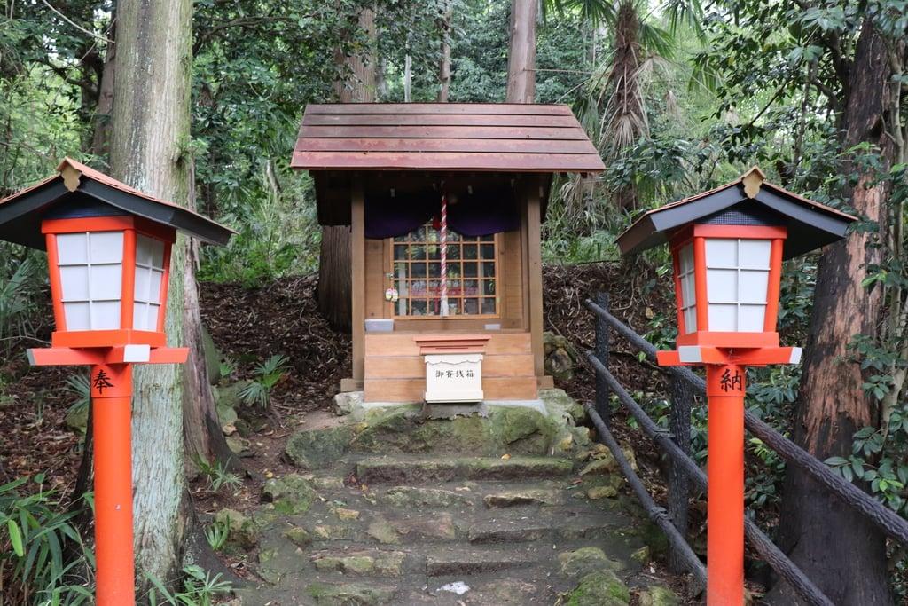 西坂ねこ稲荷神社の本殿