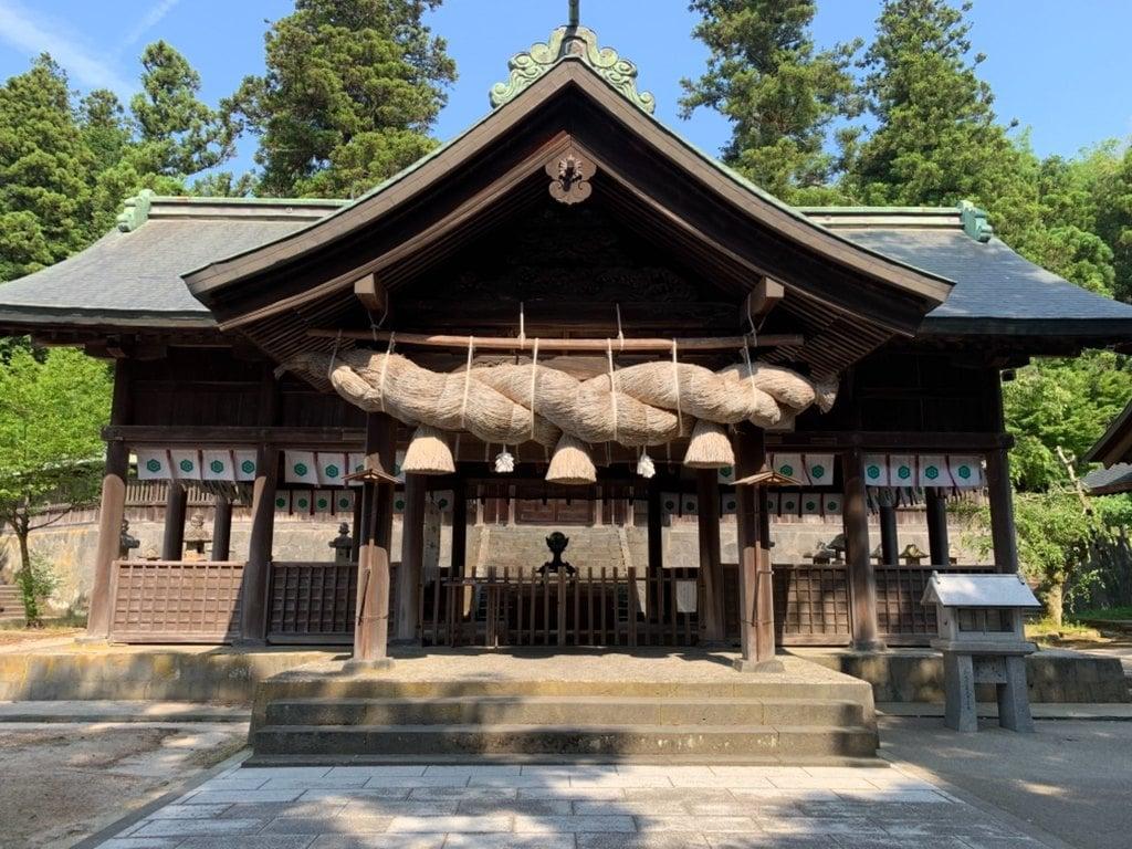 揖夜神社の本殿