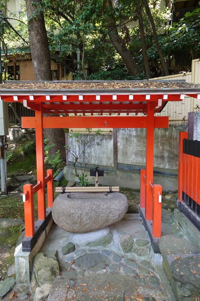 伊射奈岐神社の手水