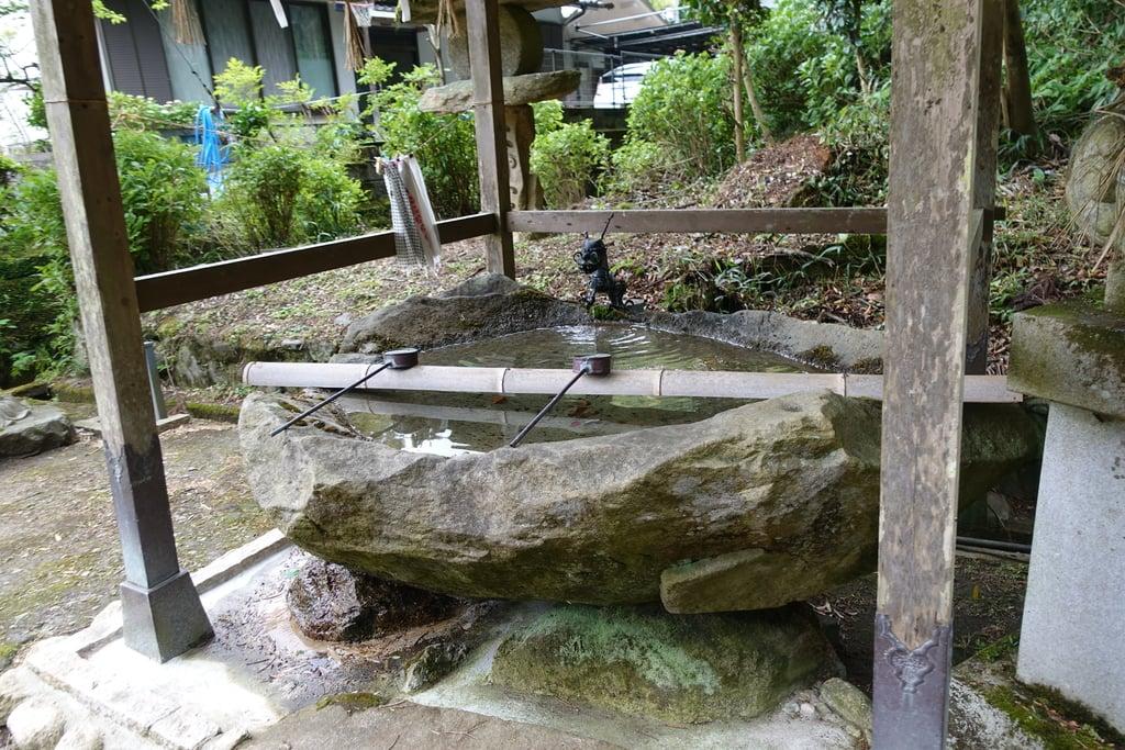 龍間神社の手水
