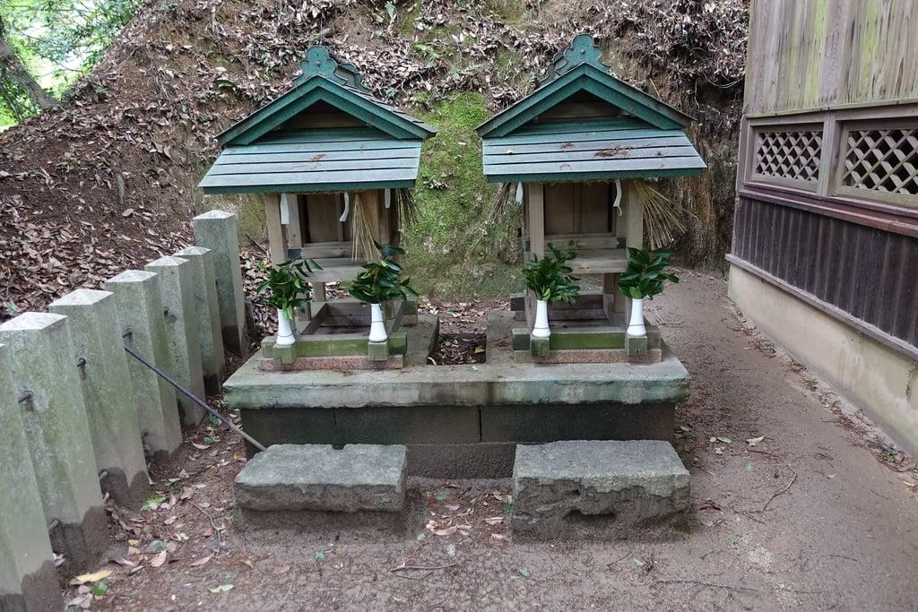 龍間神社の末社