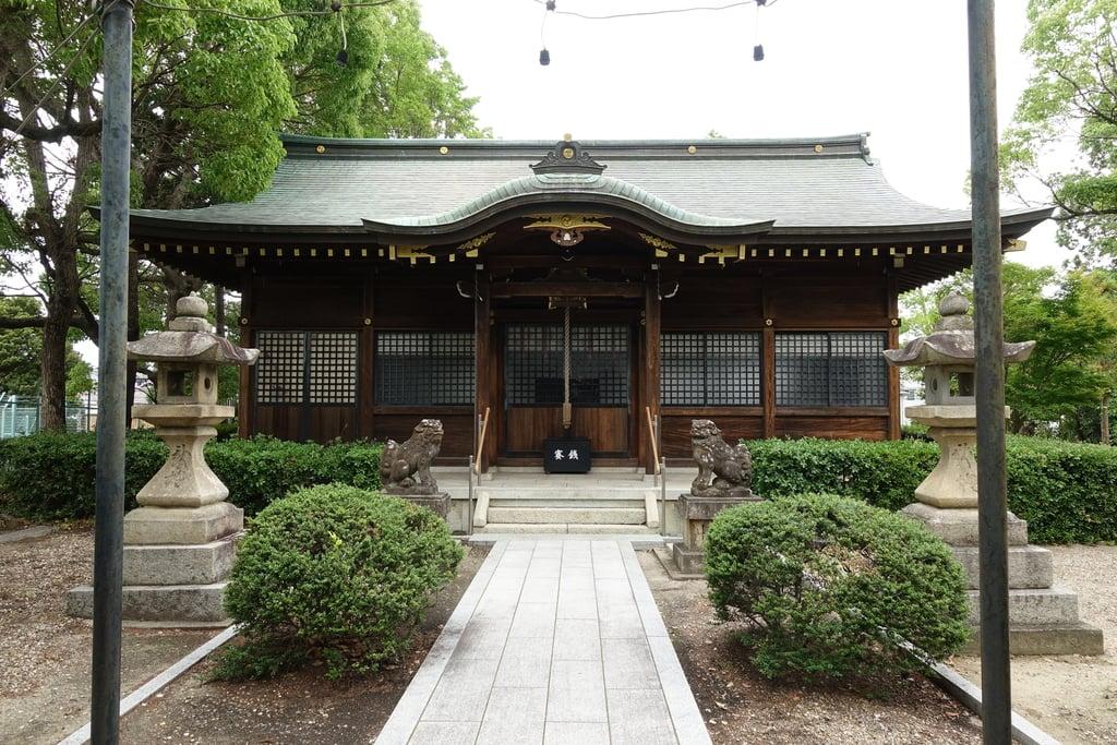 甲鉾神社の本殿