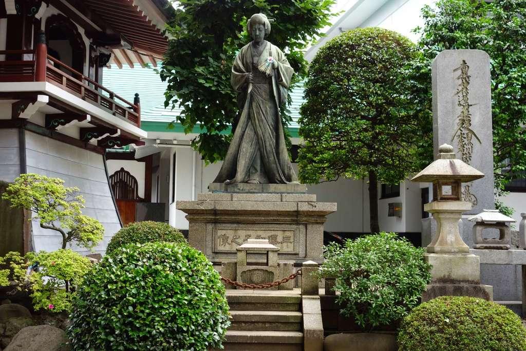 正覚寺の像