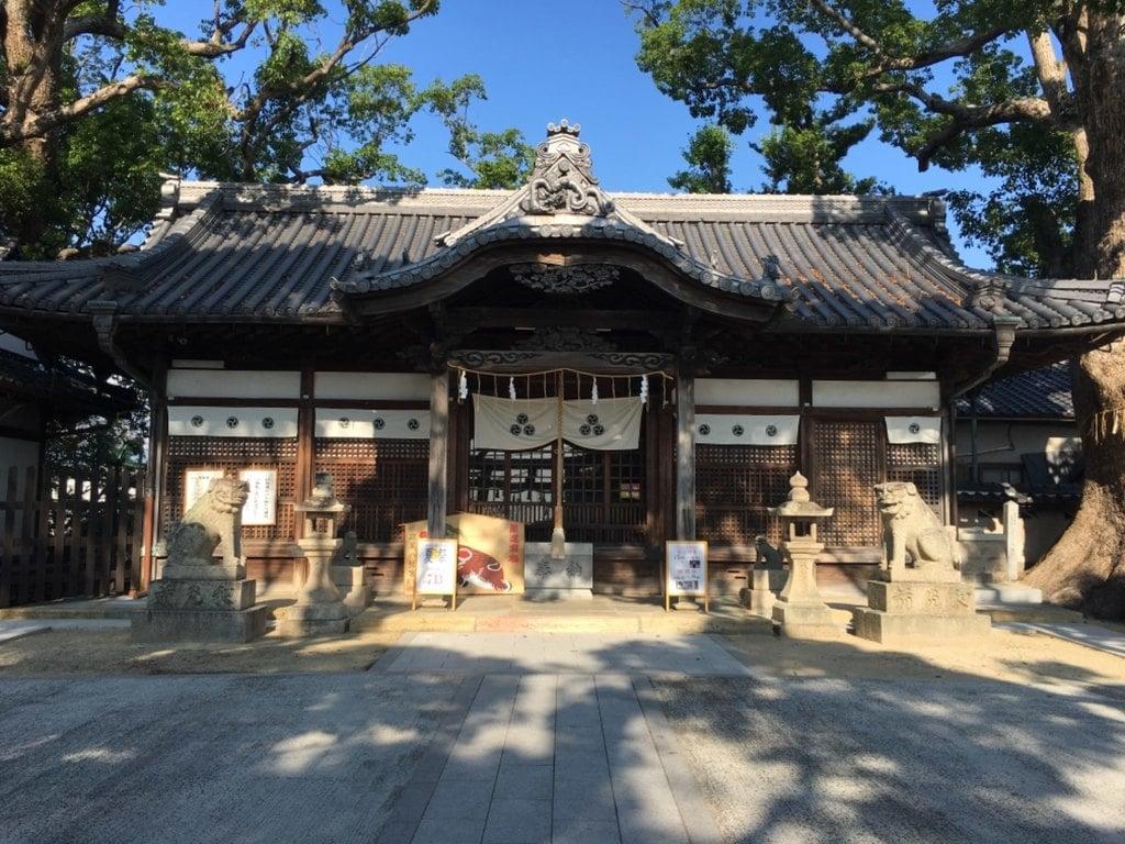 踞尾八幡神社の本殿