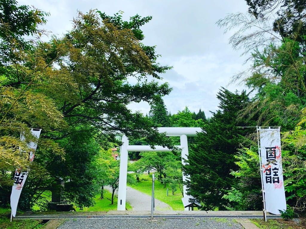 土津神社-こどもと出世の神さま-の鳥居