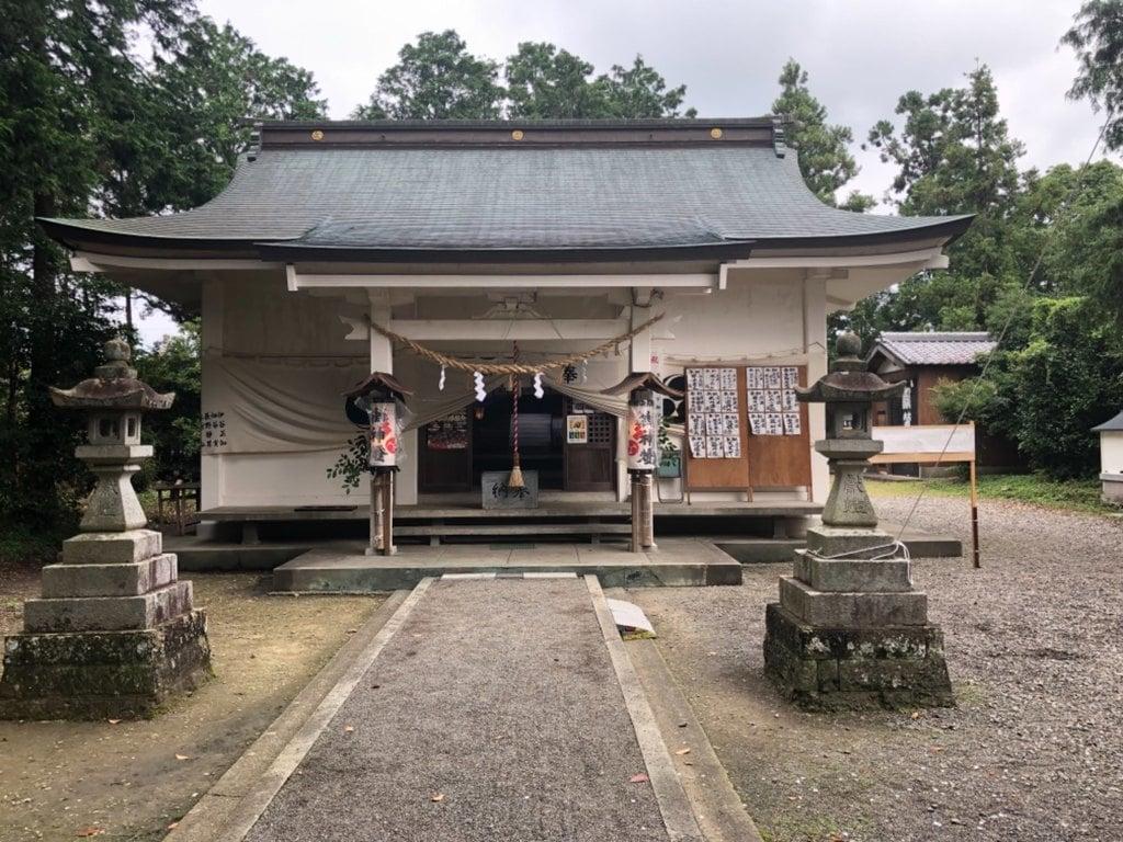 山名神社の本殿