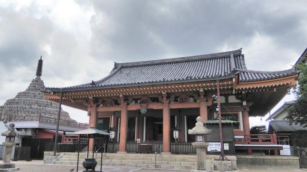 壬生寺の本殿