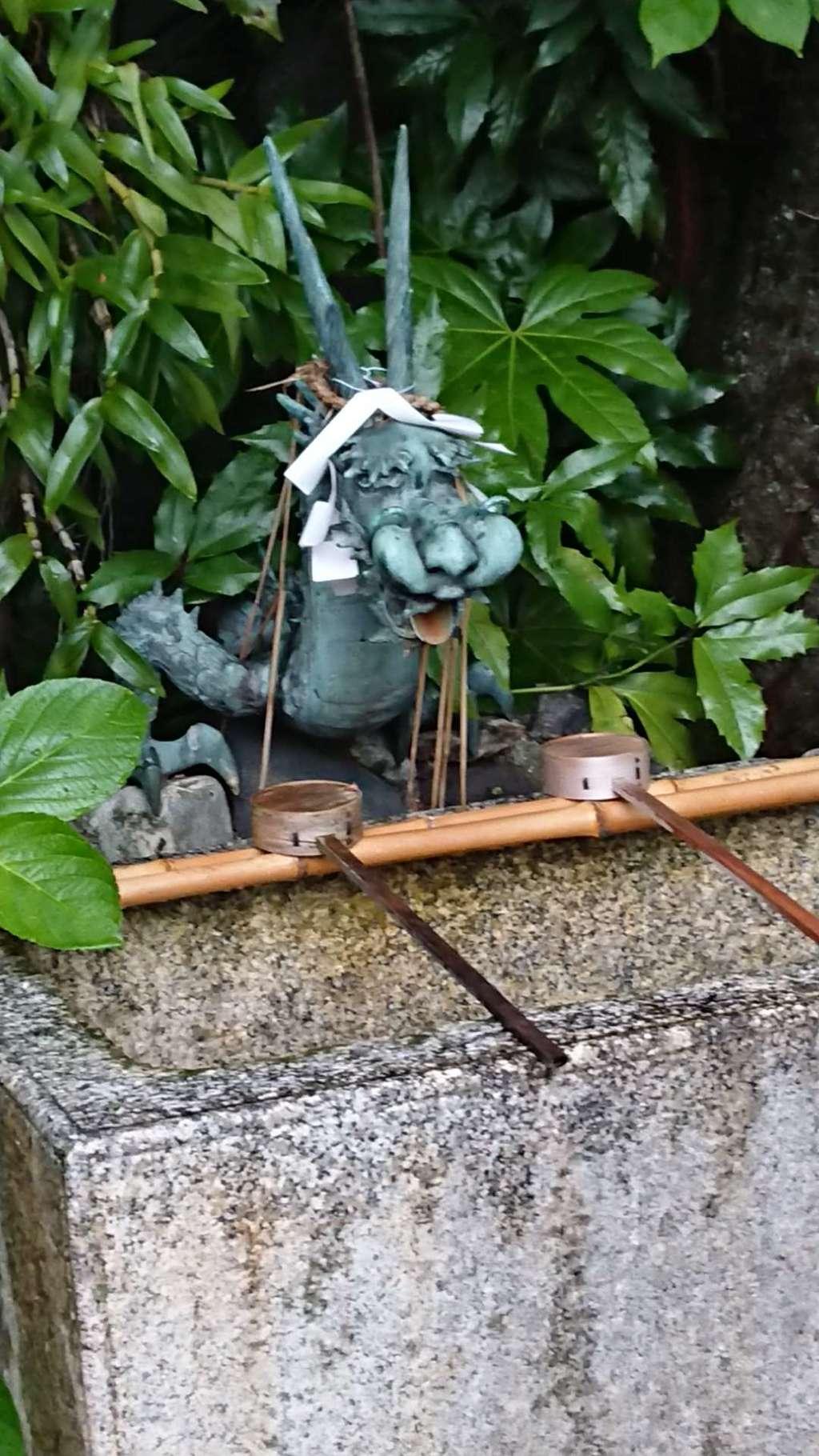 須賀神社の手水