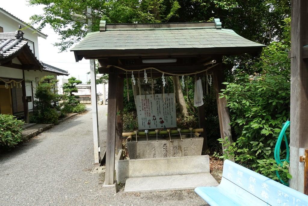 西代神社の手水