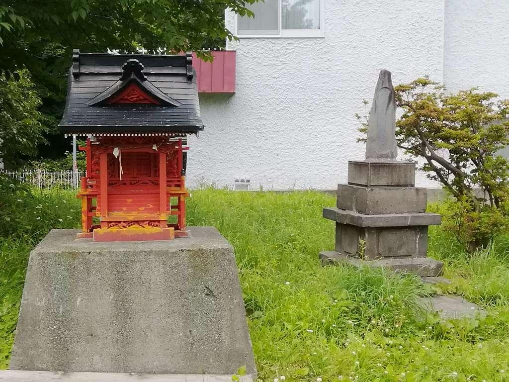 札幌伏見稲荷神社の境内・文化財
