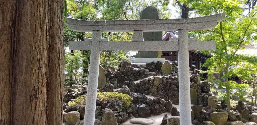 川口神社の鳥居