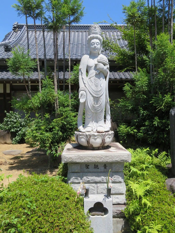 法源寺の仏像