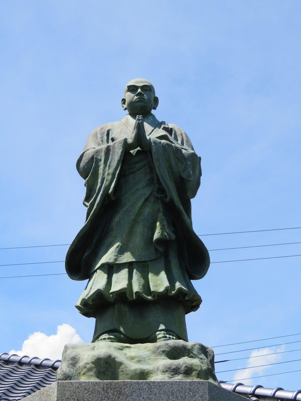 法源寺の像