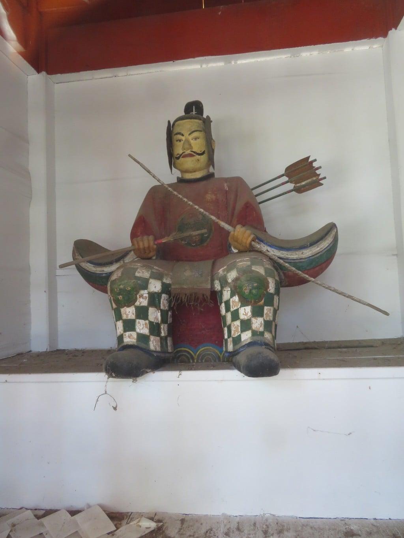 巨摩八幡宮の像