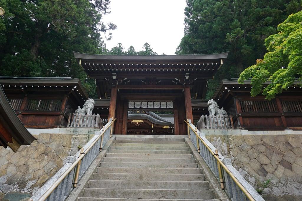櫻山八幡宮の山門