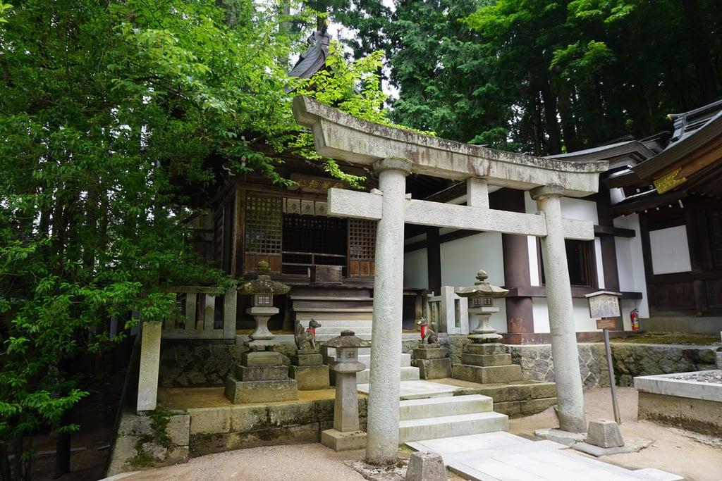 櫻山八幡宮の末社
